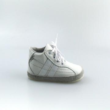 Obrázok z Pegres 1090 Detské capáčky biele